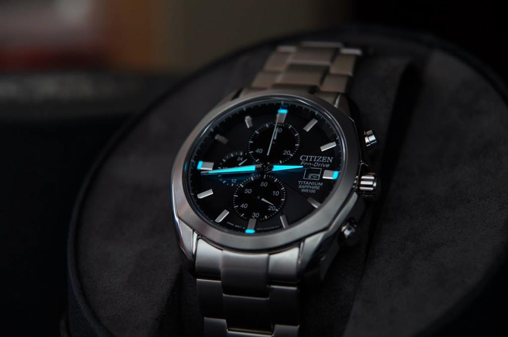 dong-ho-citizen-eco-drive-super-titanium
